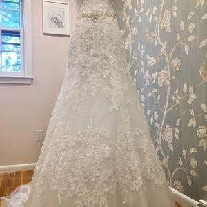 Oleg Cassini A-line wedding dress with Veil